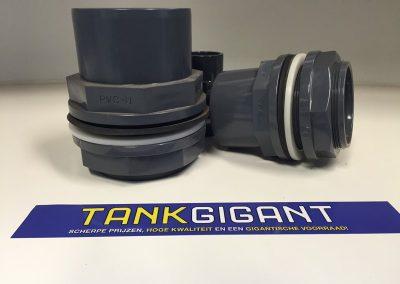 PVC tankdoorvoer